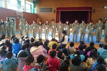 小学校との交流授業②(ふれあい動物部)