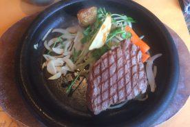 ユキ号の牛肉を用いた料理の提供(富田林市のレストラン2店舗にて)
