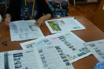 広報委員会を行い、PTA新聞制作作業を進めました。