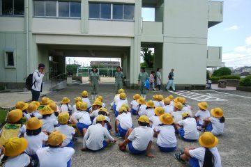 地元小学校との交流(ふれあい動物専攻)